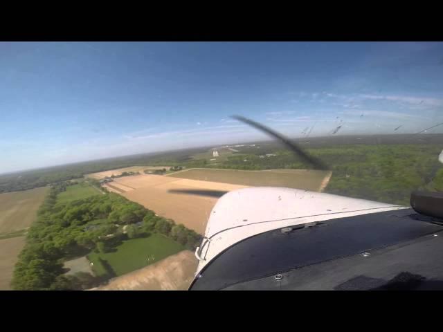 Landing at Gabreski KFOK ILS 24 Cessana 172