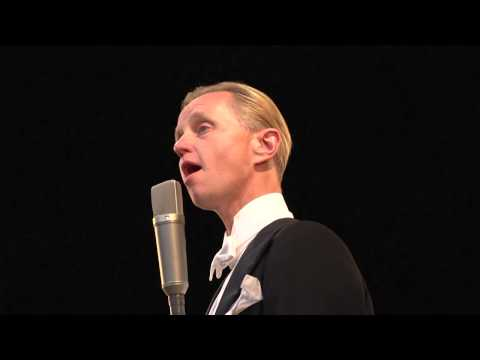 Max Raabe & Palast Orchester - Singing In The Rain