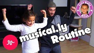 MILEYS MUSICALLY ROUTINE | Sie bringt Papa tanzen bei | CuteBabyMiley thumbnail