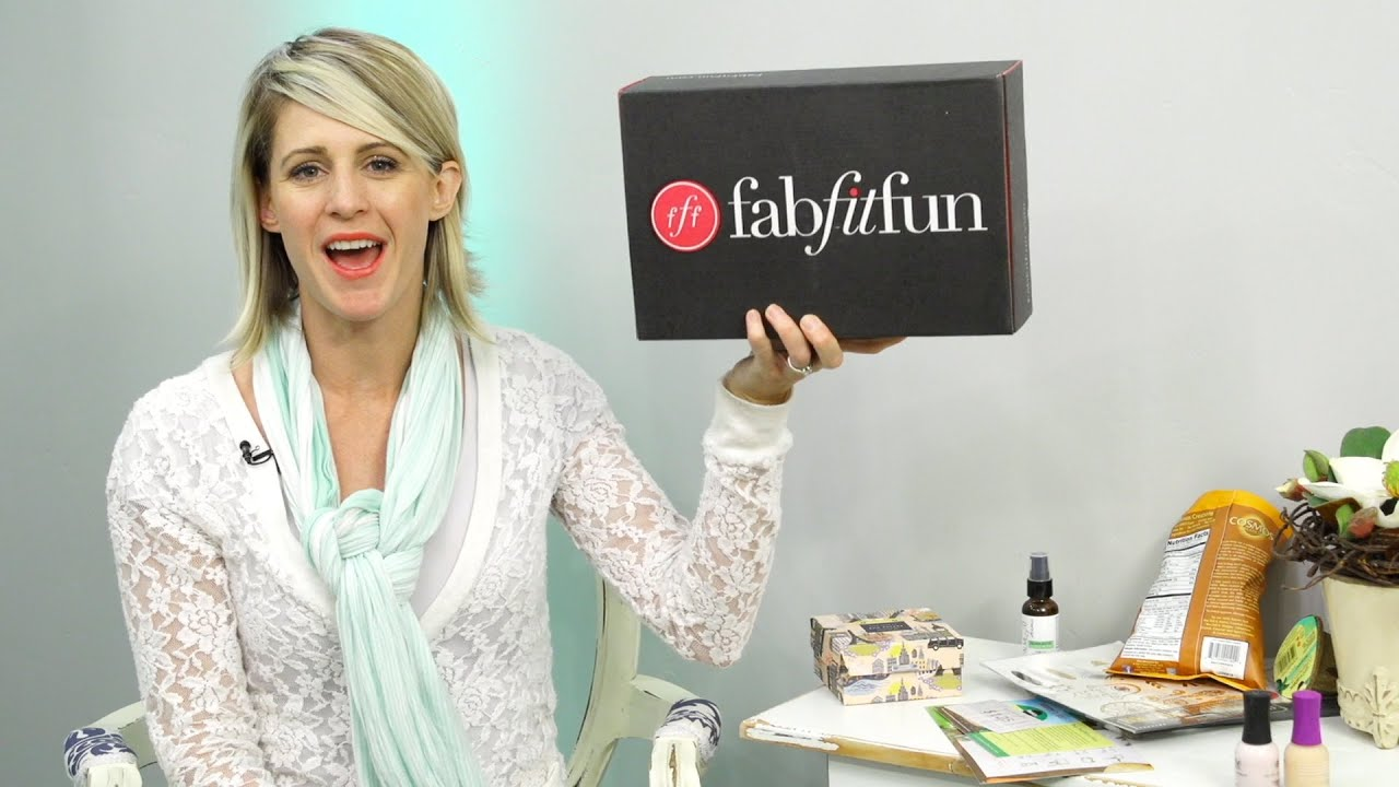 FAB FIT FUN SPRING UNBOXING - YouTube