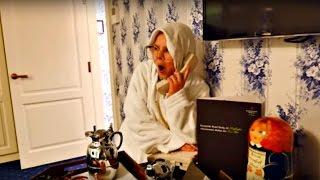 Сенсация! Бабушка в Отеле онлайн. Лучшая подружка Настя и Смешные видео для детей(На канале Дети и Родители еще одна Сенсация! Бабушка благополучно долетела и уже расположилась в Отеле...., 2016-02-27T04:20:01.000Z)