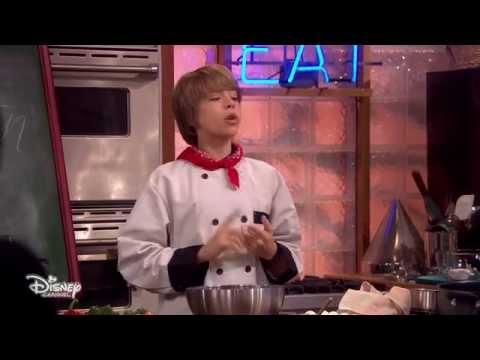 La vie de Croisière de Zack et Cody - Premières minutes : Le cuisinier de ces dames poster