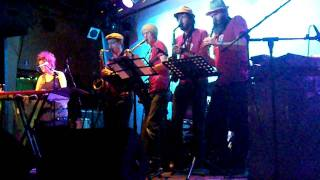 Adelaide Sax Pack play w KT Noonan & The Captains