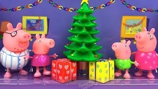 COLLECTION OF PEPPA PIG PLAYSET WITH TREE HOUSE PRESENTS AND PAJAMAS ICE CREAM VAN & KITCHEN