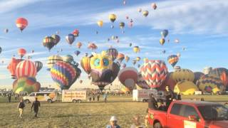 Dawn's Delight : Mass Ascension : 2014 Albuquerque International Balloon Fiesta