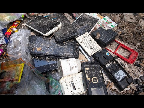 Restore abandoned phone found from rubbish || Destroyed phone restoration