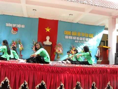 Múa Giấc Mơ Trưa ( 12C THPT Thiệu Hóa 2009-2012 )