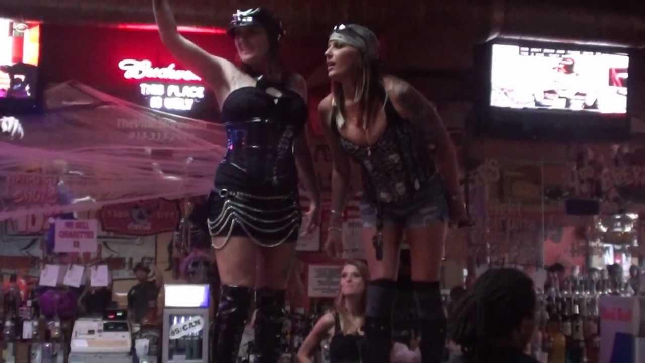 Milf handjobs cum shot