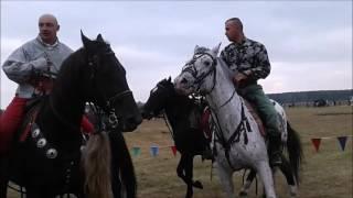 Apolinarski group-pokaz woltyżu kozackiego w Spale.