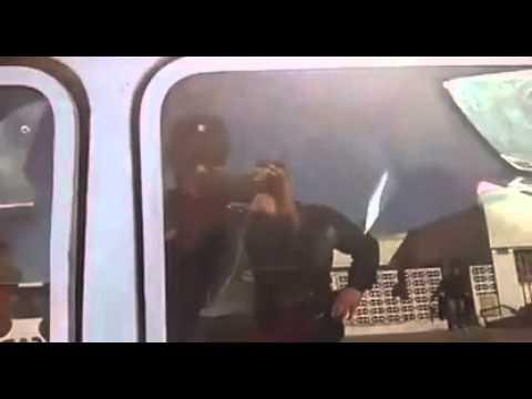 Insólito: En Córdoba un hombre metió un caballo en el asiento trasero de su Renault 12