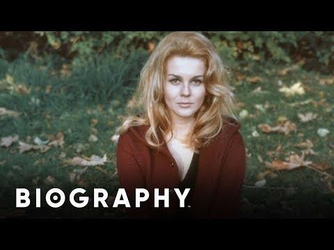 Mini Bio: AnnMargret