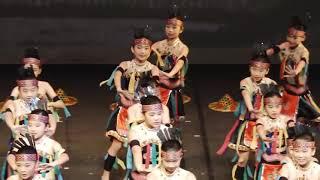 Publication Date: 2021-07-21   Video Title: 元朗官立小學 - 中國舞 (1819畢業典禮)