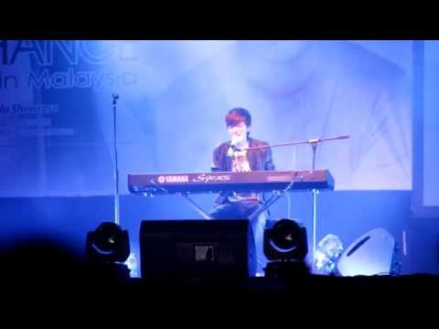 Greyson Chance singing take a look at me now in KK showcase