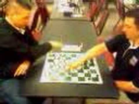 Raphael takes on Elliott in 1 minute SPEED chess #1