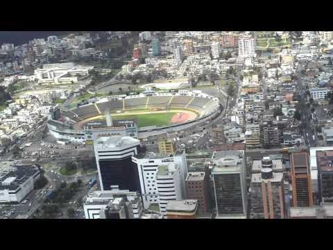 Aterrissagem em Quito - Equador - Aeroporto Internacional Mariscal Sucre.MOV