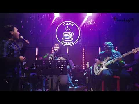 duet-termanis-!!!-cinta-&-rahasia---yura-ft-glenn-fredly- -live-luminous-coffee-gresik