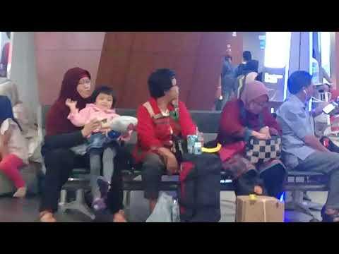 Airport Husein Sastranegara Bandung, Pesawat Lion Air Bandung-Surabaya, Sayang School, 19 April 2018