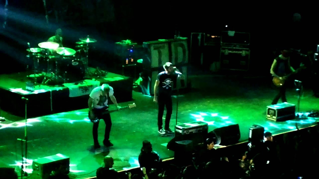 A Day To Remember - End Of Me (Live In Teatro Caupolican ... A Day To Remember Live 2014