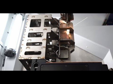 TRUMPF 3D laser processing: TruLaser Cell 3000 - highly dynamic 3D laser welding