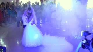 Первый танец молодых на свадьбе