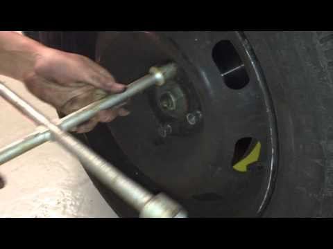 Citroen C3 Offroad: Remonter la roue