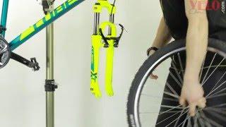 Замена камеры на велосипеде или как устранить прокол на велосипедной камере(Велосипедные камеры http://www.veloonline.com/catalog.shtml?ident=194 Ремонтные наборы и заплатки http://www.veloonline.com/view.shtml?id=12036 ..., 2016-04-11T02:08:10.000Z)