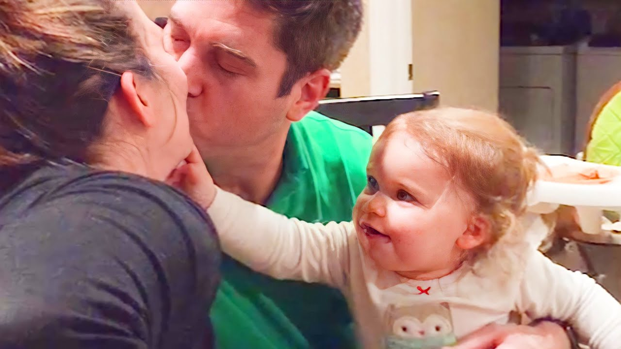 Download Babies Reaction When Daddy Kiss Mommy - WE LAUGH