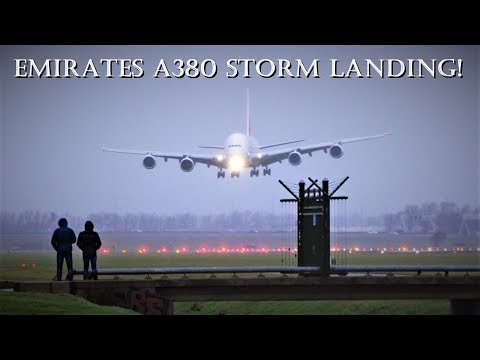 STORM SCHIPHOL! A380 EXTREME CROSSWIND LANDING EMIRATES (A6-EEW) @ Amsterdam Airport Schiphol