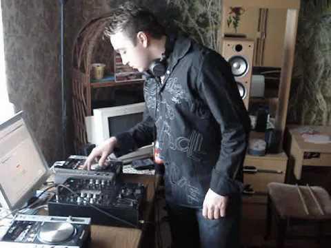2/9 DJ. HANSI - Hands Up! Session
