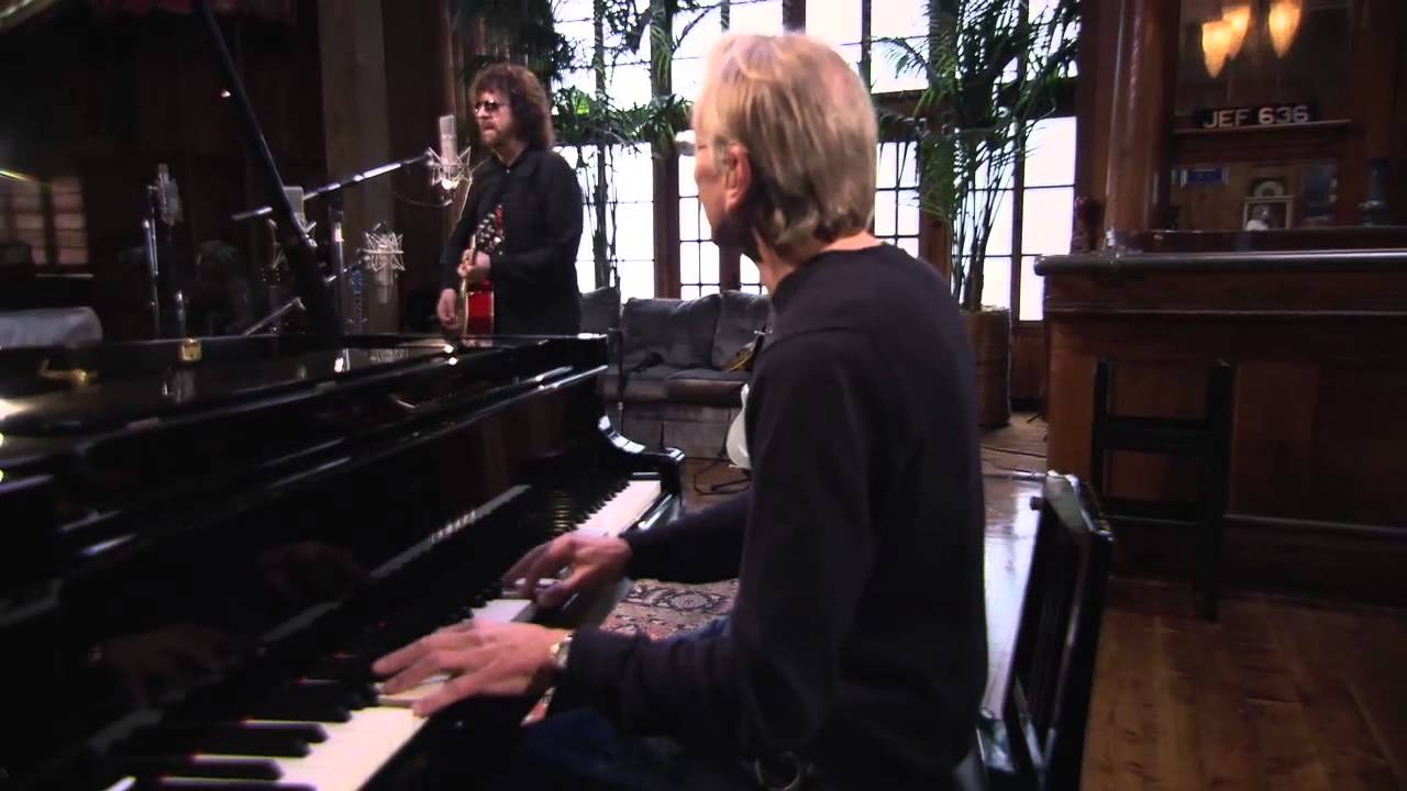 FULL PERFORMANCE: Jeff Lynne & Richard Tandy Reunite for Evil Woman #1