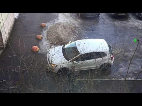 Парковка уровень Бог 2. Королева парковки. Парковка во дворе. Девушка за рулем. Crazy