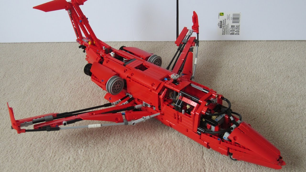 lego technic private jet with working flight surfaces. Black Bedroom Furniture Sets. Home Design Ideas
