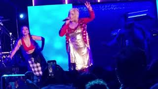 Waterfalls by TLC at the Post 61st Grammy Award Celebration