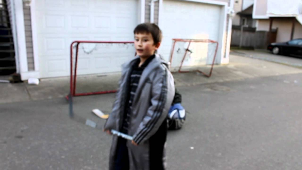 kids playing street hockey youtube