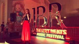 Nadia | UAE Violinist | Dubai # 1 entertainment booking agency | 33 Music Group | Scott Sorensen