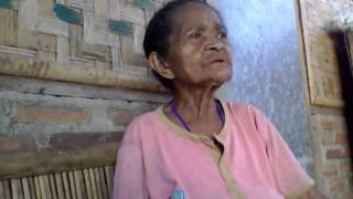"Video Alor Kalabahi Kabola NTT- Nenek Menyanyi ""Nimang Lahatala"" download MP3, 3GP, MP4, WEBM, AVI, FLV Juni 2018"