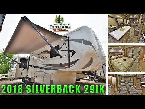 New 2018 Island Kitchen CEDAR CREEK SILVERBACK 29IK Fifth Wheel Rear Living Room Colorado RV