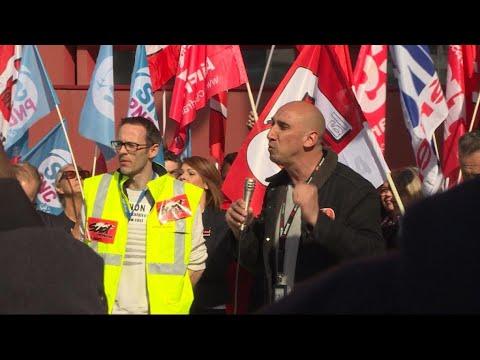 فرانس 24:Trains, schools & power plants: latest French strikes cause disruption