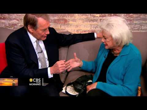 Sandra Day O'Connor's power handshake