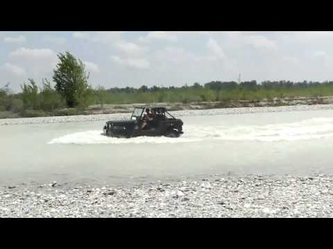 Jeep CJ7 extreme performance V8 aquaplaning surfing powerdrift power fun HD