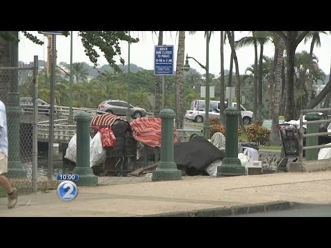 Residents: Downtown Honolulu turning into tent city