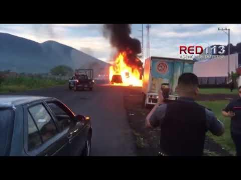 VIDEO Arde camioneta de valores en Jacona