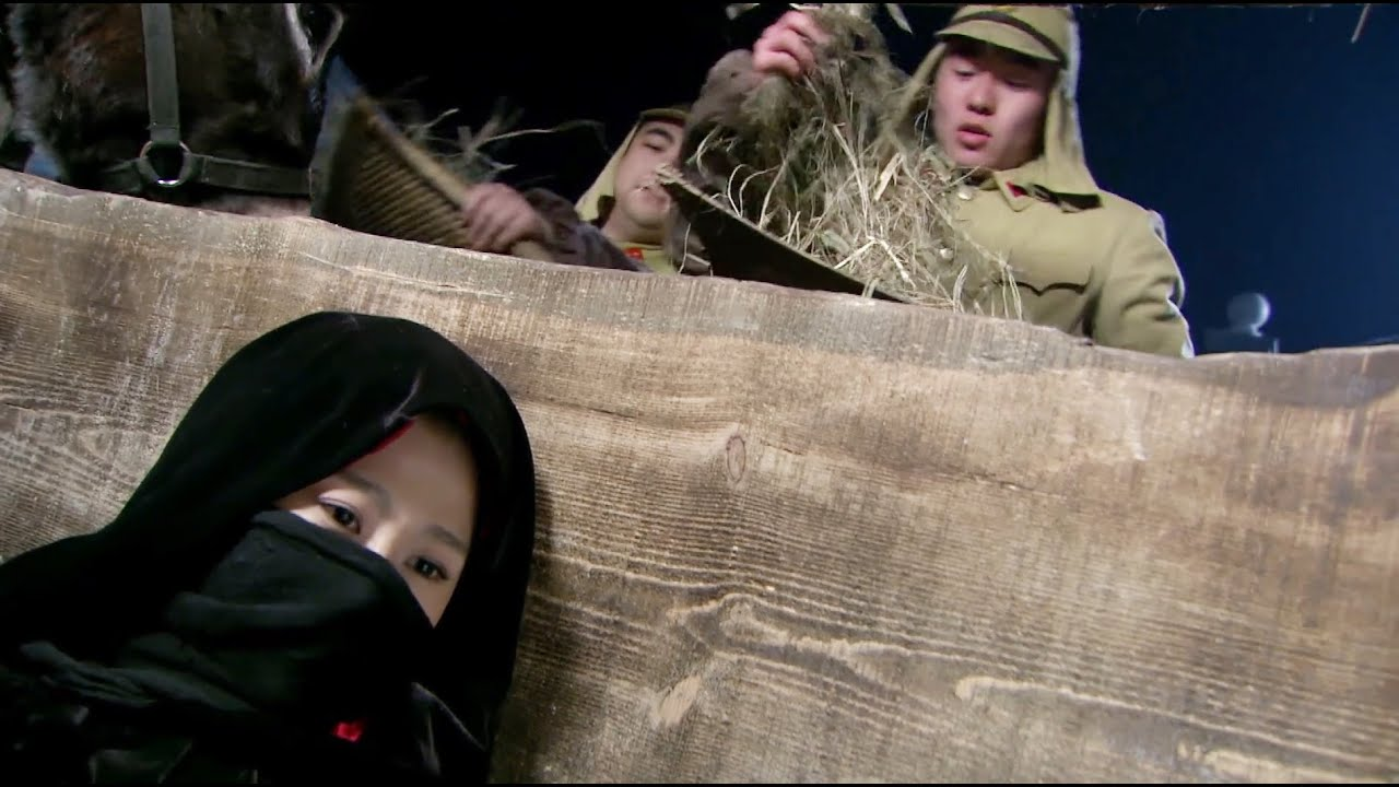 2個特種兵潛入日軍司令部,偷走情報炸毀軍火庫,面對上百追兵溜之大吉!【抗日】