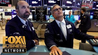 Dow plunges 800 points amid recession fears