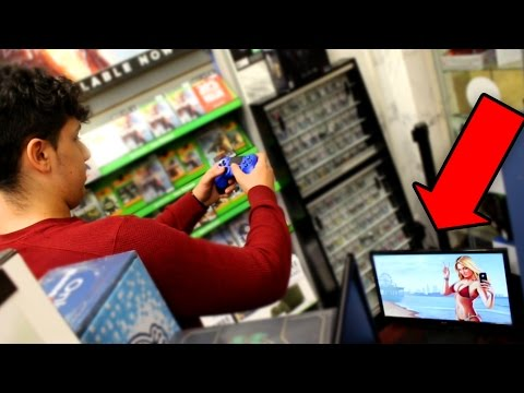 PLAYING GTA 5 IN GAMESTOP! (DONT DO THIS EVER)