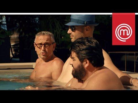 Un po' di relax per i giudici prima di ricominciare | Celebrity MasterChef Italia