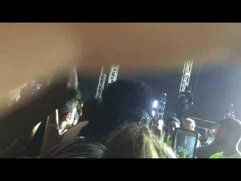 "Travis Scott Performs ""Goosebumps"" Live at University at Buffalo"