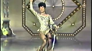 Lilly Yokoi, ballerina on bicycle / Kunstfahrrad / велофигуристка