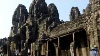 Древний храм в джунглях Камбоджа(http://evstegneev.com/ Древний храм в джунглях Камбоджа Ангко́р-Ват (дословно— «город-храм») — гигантский храмовый..., 2012-02-10T14:06:49.000Z)