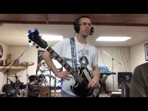Gravehuffer - Behind the scenes of the Your Fault song - Guitars